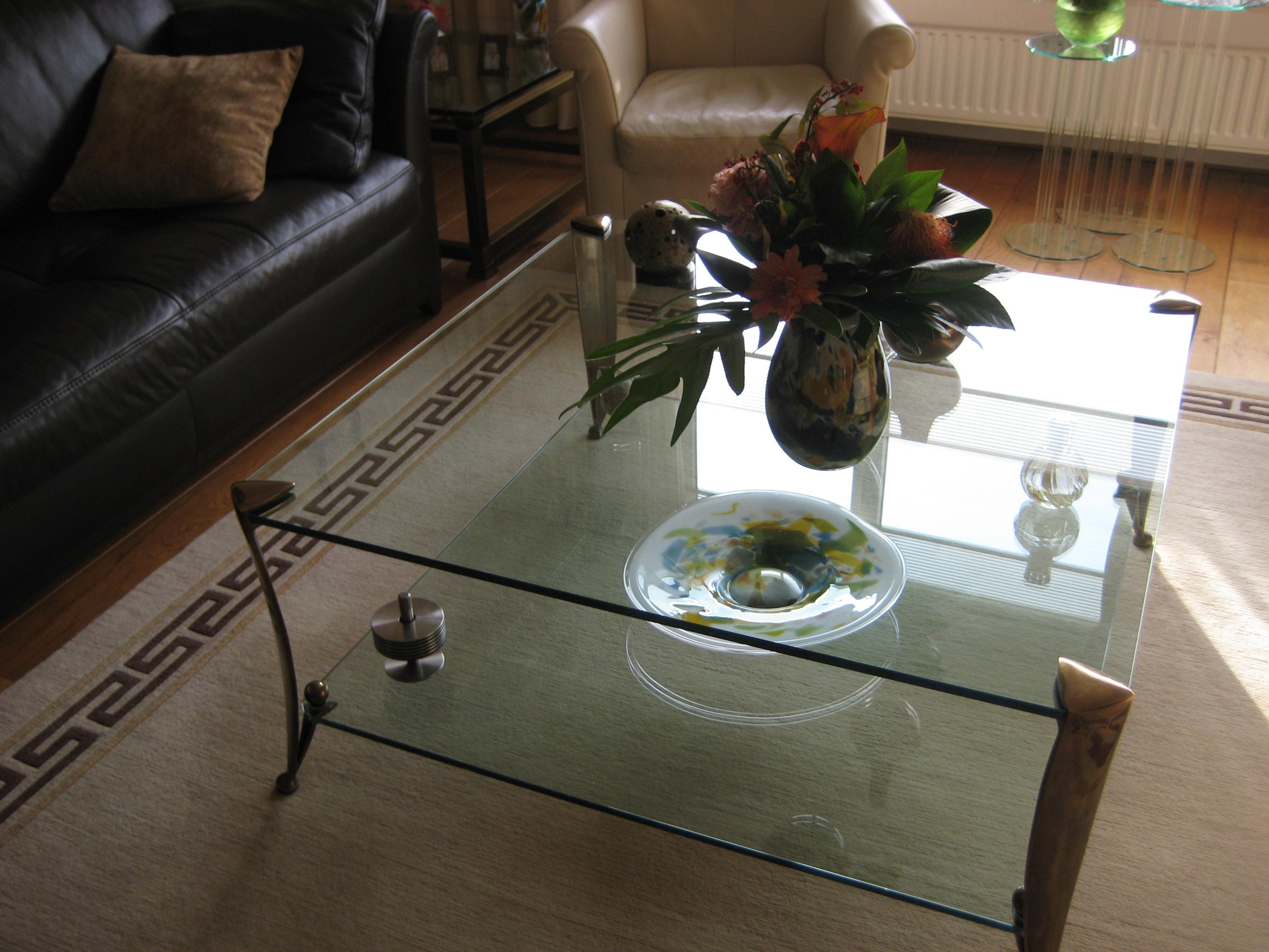 2 Glazen Salontafels.Ophalen Van Vitrinekast En 2 Glazen Salontafels